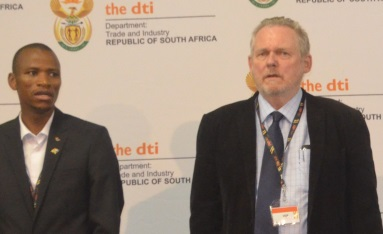OPEN OPPORTUNITIES: The Department of Trade and Industry (DTI) launched the first phase of the multimillion rand Komani Industrial Park at Queendustria on Monday with, from left, integrated planning and economic development (Iped) portfolio head at Chris Hani District Municipality Sibongile Mbotshane, DTI Minister Rob Davies   Picture: ZOLILE MENZELWA