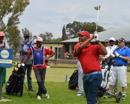 FORE! Dr Siya Heathcote at the Komani ClassicPicture: CHRIS NEPGEN