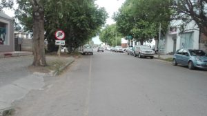 TOO CROWDED: The traffic congestion as a result of illegal parking in Green Street continues to raise the ire of locals in Komani Picture: BHONGO JACOB